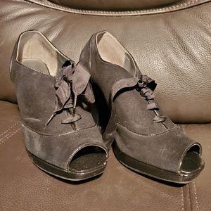 Kenneth Cole Reaction size 8 black shoes